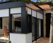 Bien construire sa veranda vers une veranda bioclimatique for Veranda hiver ete